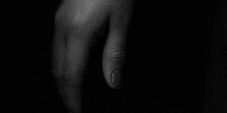 Tangan perempuan